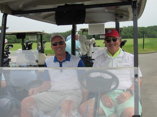 Golfers at the MIB golf event